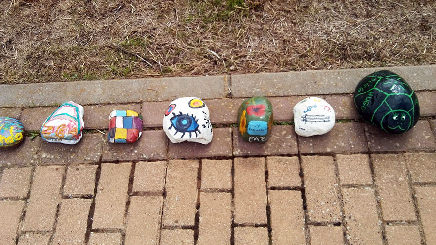 piedras pintadas vecinos