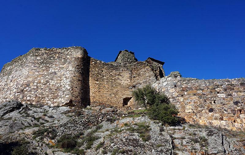ruinas catillo de alba de aliste